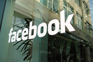 Facebook aims to curb news feed 'hoaxes'